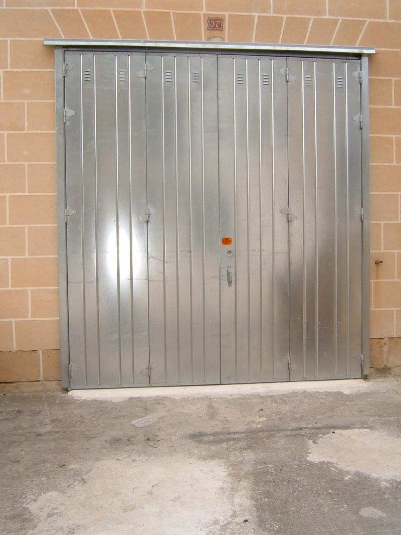 Galvanized 4-Leaf Door including punched louvers